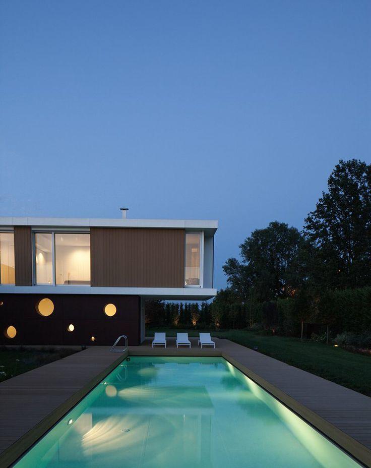 L.A. Modern. Location: Lodi, Italy; architect: Carlo Donati Studio; year: 2012