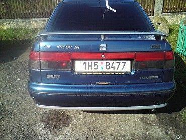 Prodám Seat Toledo r. v 6/1998 tmavě modrá.1.6-74kw..klimatizace,4*el. okna, pal. počítač,výškově