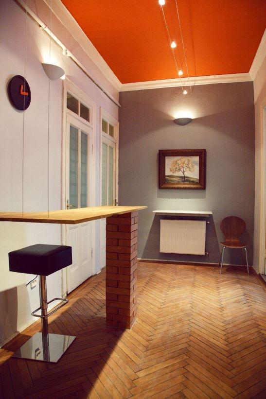 Davila Hostel in Bucharest. Entrance lobby. Interior design Alia Bakutayan and Daniel Tufis - Val Decor studio.