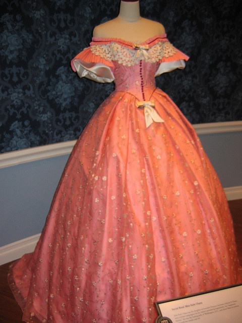 Mary Todd Lincoln's Dress! Beautiful style as well... the color, not so much
