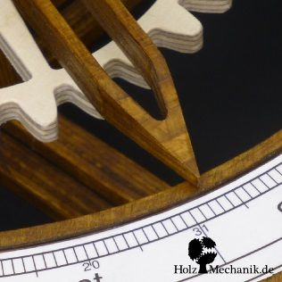 Detail of the hand driven Wooden Tellurion from Christopher Blasius. Plans are available at holzmechanik.de