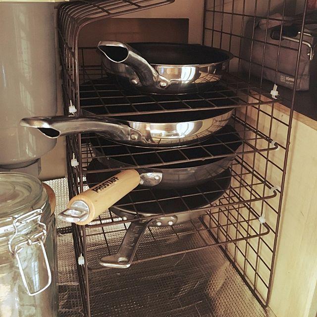 キッチン ハンドメイド フライパン収納のインテリア実例 2017 05 05 07 47 40 Roomclip ルームクリップ フライパン 収納 インテリア 収納 台所 収納 シンク下