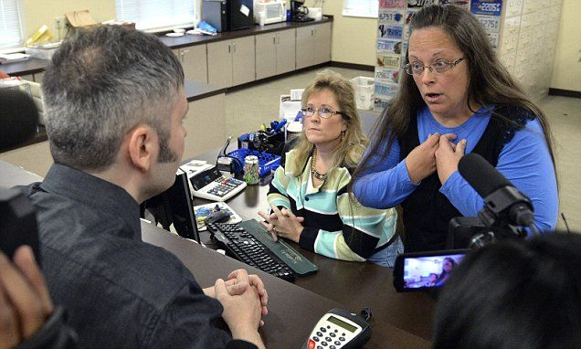 Kentucky clerk continues denying gay couples marriage licenses