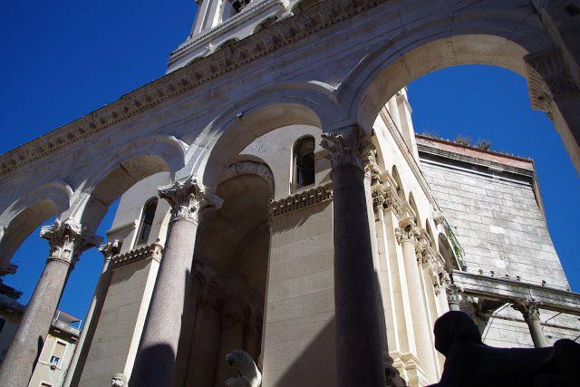 fotos&travels : W cieniu katedry