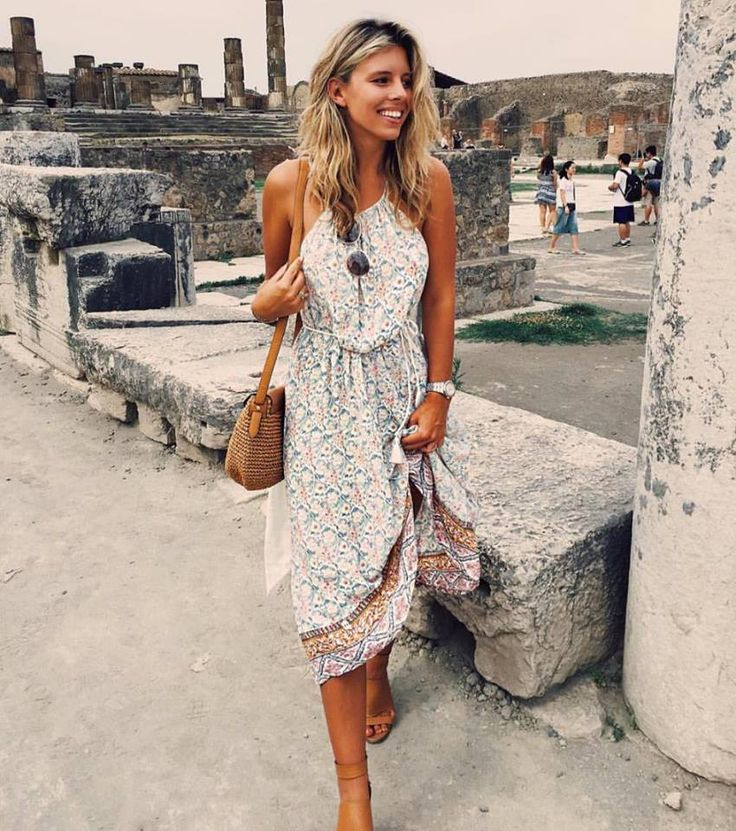 The beautiful Natasha Oakley wearing the Le Paris dress • Available online & in selected stores #faithfullthebrand  https://international.faithfullthebrand.com/collections/beach-edit