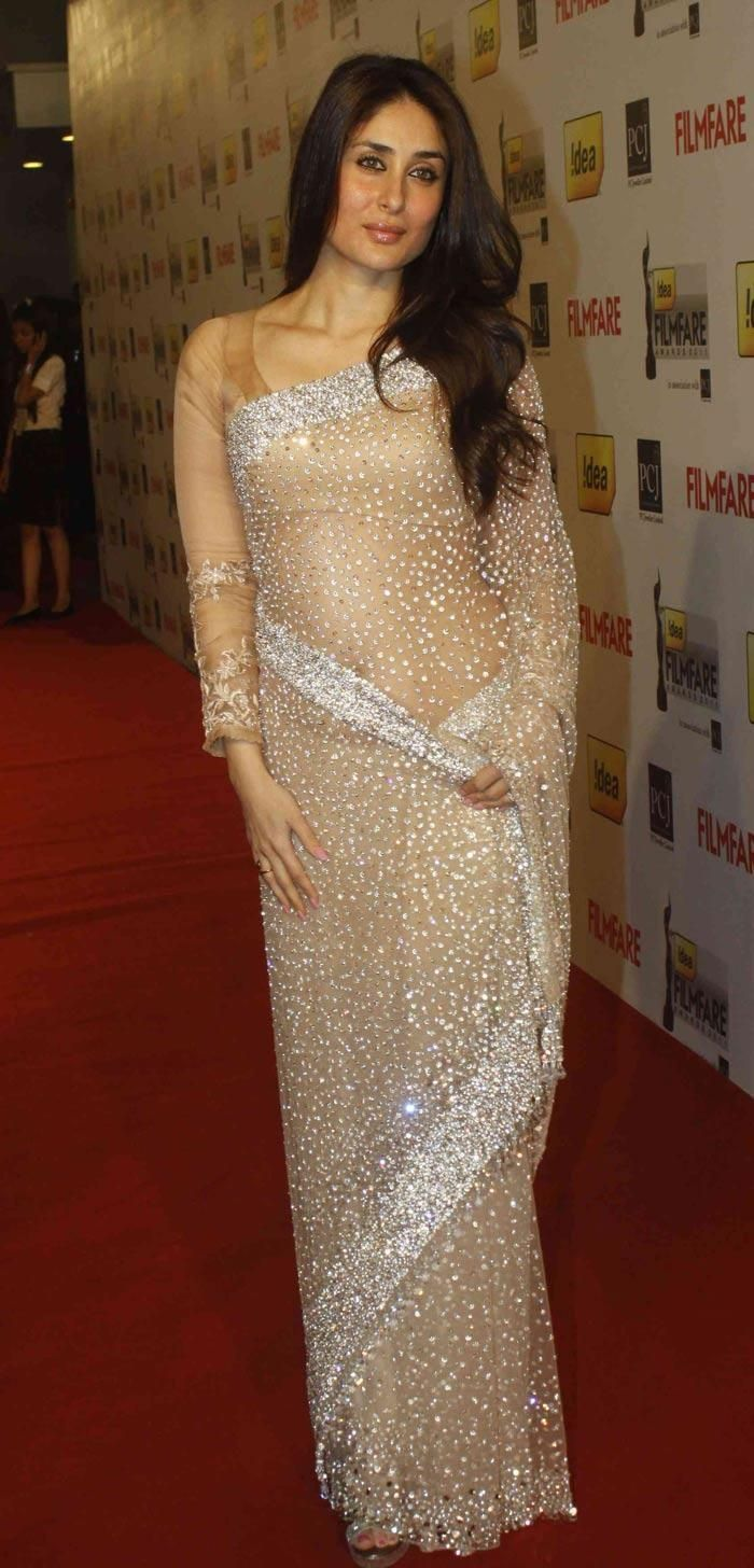 Simple but #Beautiful Kareena Kapoor in Net #Saree