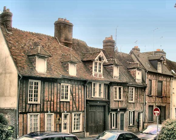 maisons du Moyen âge de Beauvais, Picardie   http://www.pinterest.com/adisavoiaditrev/