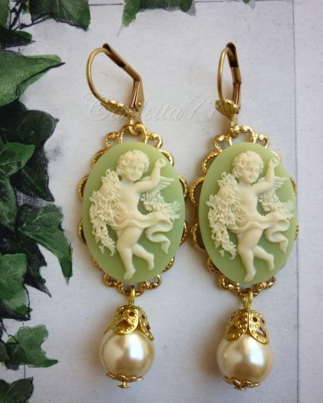 vintage cameo jewelry | Dettagli su Victorian Cameo Orecchini in filigrana cammei verdi con ...