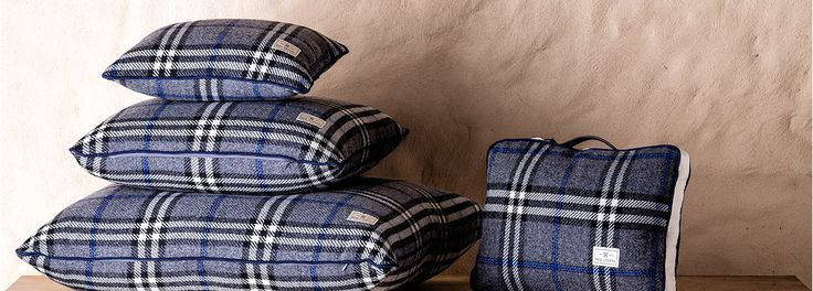 Ambassador Collection mixes cosy blankets, decorative pillows and unique travel sets suitable for any outdoor activities.