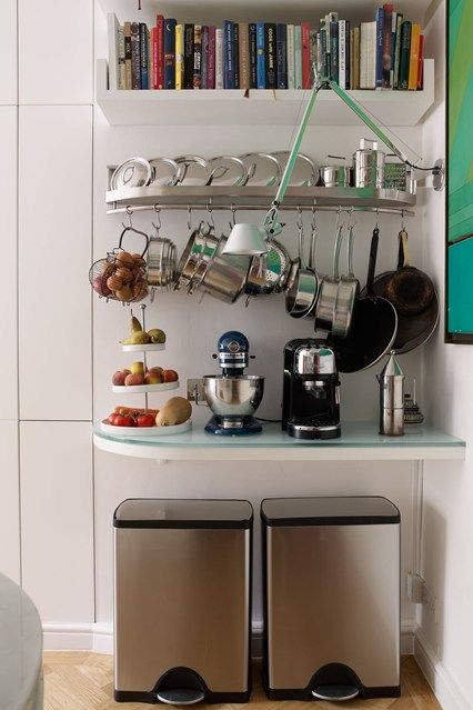 Mix it up small kitchens metals and design for Kitchen set kecil