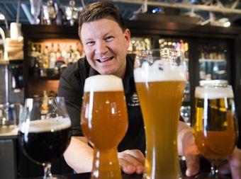 Slik skjenker du øl - DinSide