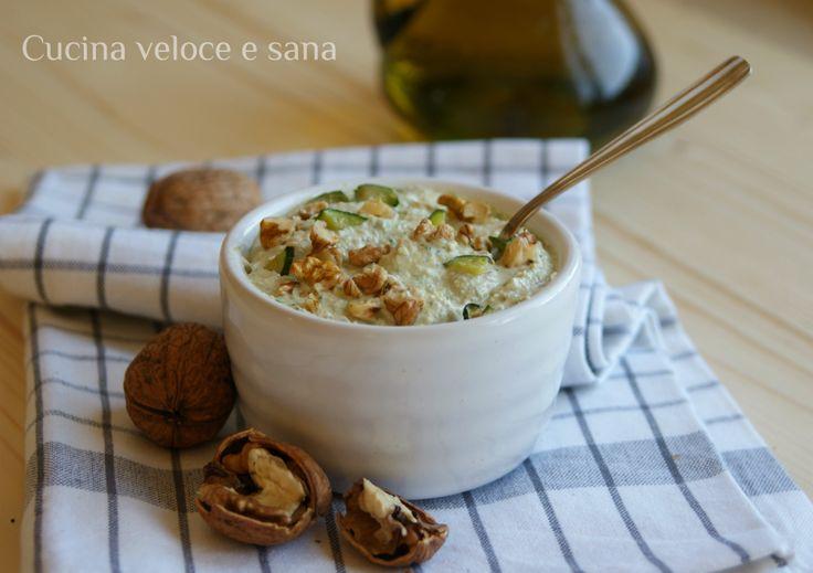 Pesto di zucchine, ricotta e noci