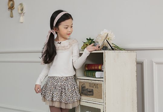 Korea children's No.1 Shopping Mall. EASY & LOVELY STYLE [COOKIE HOUSE] Twinkle Race T-shirt / Size : 5-13 / Price : 18.32 USD #cute #koreakids #kids #kidsfashion #adorable #COOKIEHOUSE #OOTD #t-shirt #cute #lace #tee