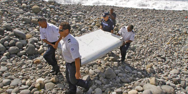 """Vol MH370 : le débris d'avion retrouvé à La Réunion appartient """"avec certitude"""" au Boeing disparu"""