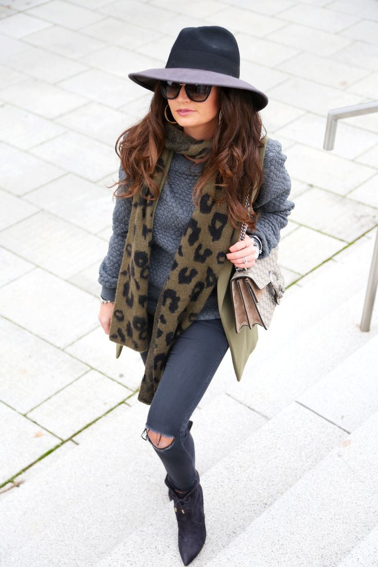 outfit-onepiece-sweater-aquazzura-fall-autumn-look