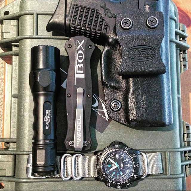 Repost @tboxsean - #xds #daraholsters #springfieldarmory #holster #surefire #edc #ccw #pocketdump #concealedcarry