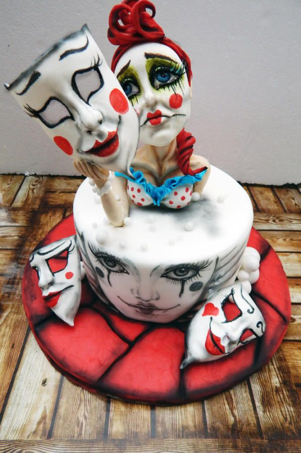 Clown woman cake by Lucie Velechovská