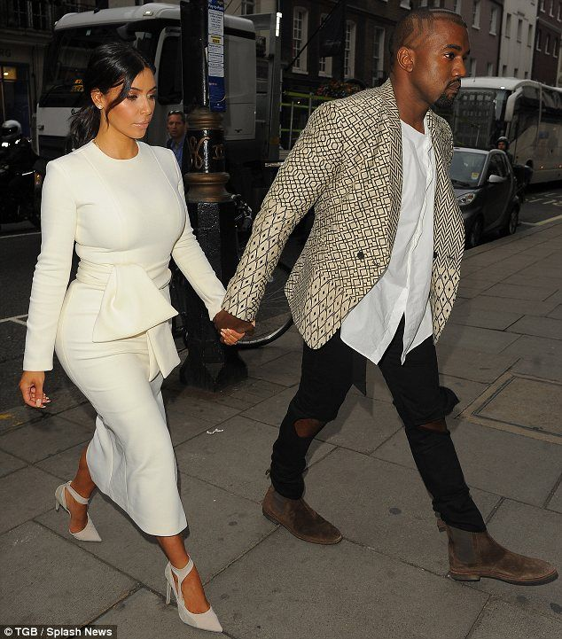 Just touched down in London town! The couple are spending some time in the English capital before heading to Paris Fashion Week
