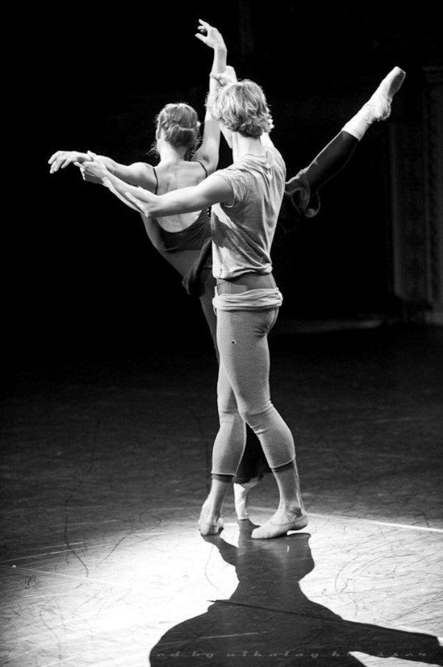 Semyon Chudin and Kristina Kretova in rehearsal for Giselle #stage #ballet #bolshoi #giselle #semyonchudin #kristinakretova #rehearsal