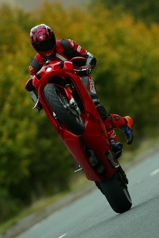 Since the age of 12 I've loved motorcycles. And ever since I still do. =3