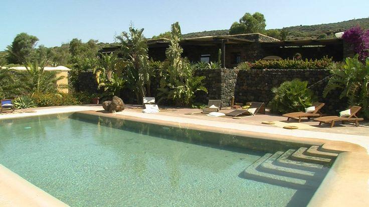 La piscina privata del Dammuso Le Volte