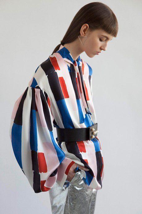 Как одеться в стиле 80-х:  10 актуальных образов. Изображение № 17.