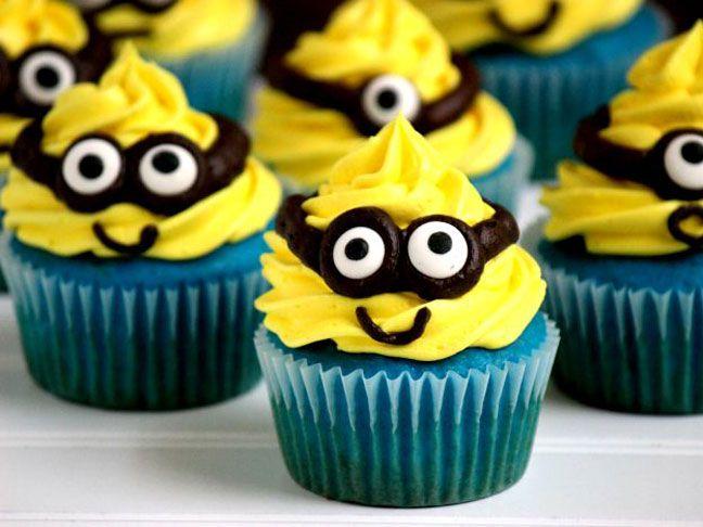 Icing Minion Cupcakes