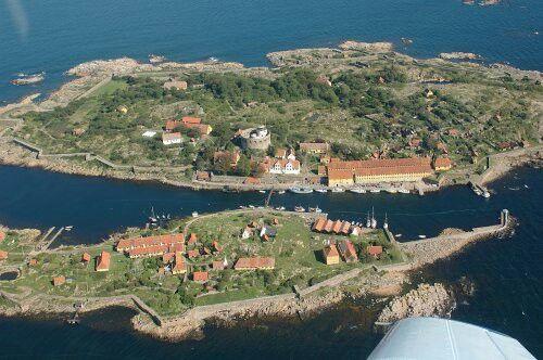 Ertholmene, Christiansø og Frederiksø