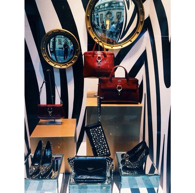 The nicest shop window of Fashion's Night Out: a luxurious zebra print and the Tosca Blu collection