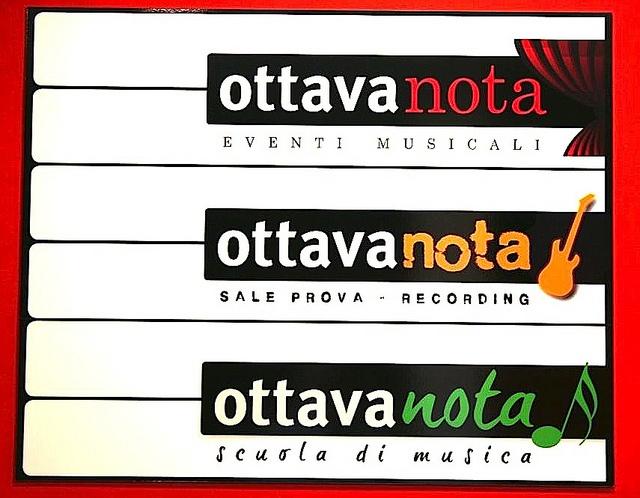 Ottava Nota è  Luogo d'incontro  OttavaNota è innanzitutto un punto di incontro e di contaminazione creativa per professionisti e appassionati, tra musica, arti figurative, recitazione.