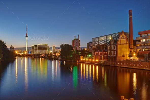 The River Spree In Berlin At Night River Spree Berlin