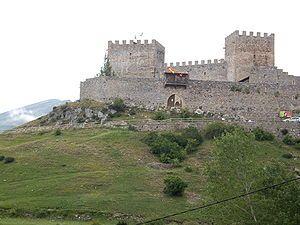 Argüeso - Castillo de San Vicente, en Argüeso.