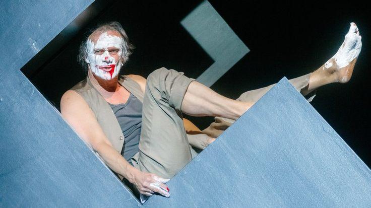 "Edgar Selge: Edgar Selge als François in dem Soloabend ""Unterwerfung"" am Hamburger Schauspielhaus"