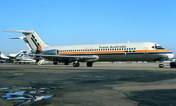 Trans Australia Airlines DC-9-30 (VH-TJS)