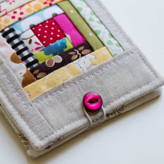 Log cabin quilted ereader/tablet case . . . should make a smaller version of this for my new phone.