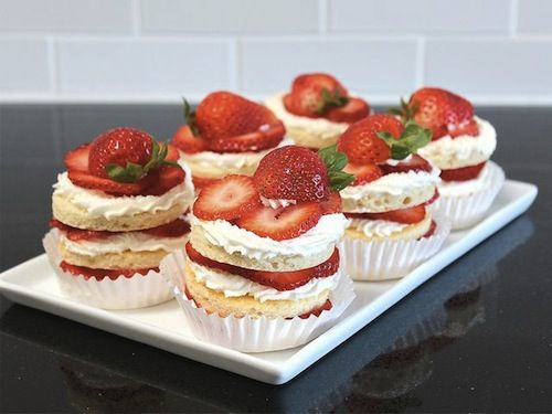 Spring Dessert: Chiffon Cake with Strawberries and Cream Recipe. Try ...