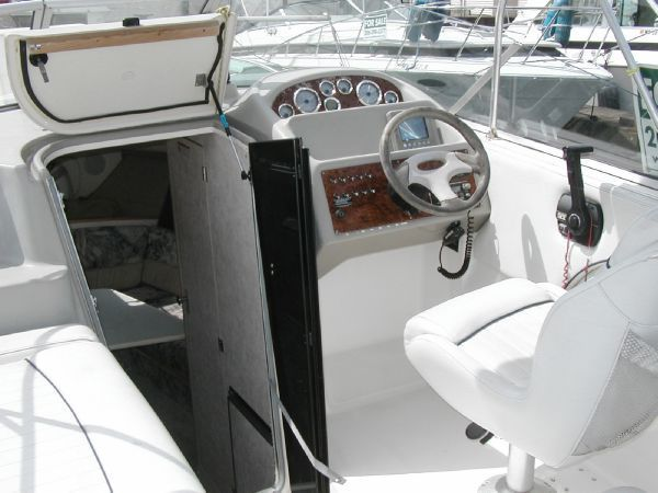 6026b693133ee78e65baf5613306ce4d boat restoration boats for sale 27 best boat restoration images on pinterest boat restoration 1988 bayliner 2655 wiring diagram at panicattacktreatment.co