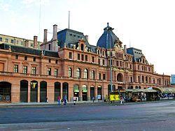Buenos Aires - Estación Constitución, una de las tres principales de la ciudad, junto a Retiro y Once.