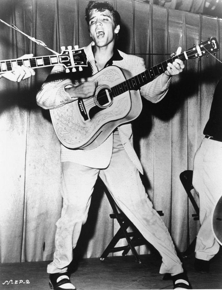 Graceland celebrates Elvis Presley's 81st birthday...: Graceland celebrates Elvis Presley's 81st birthday #ElvisPresley… #ElvisPresley
