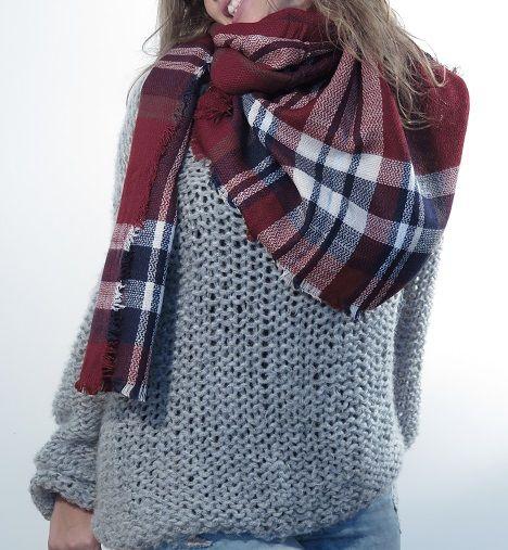 ¡Escribe a info@escampe.com para conseguir tu pañuelo de moda por 10€! 140 x 140 Pañuelo maxibufanda de cuadros (granate azul marino blanco)