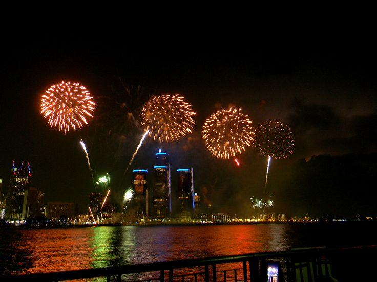 2013 Windsor/Detroit Fireworks