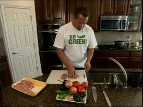 "Mark Schlereth's ""Stinkin"" Good Green Chile on Unwrapped!"