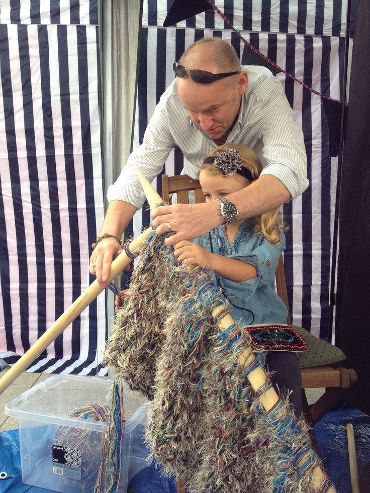 Knitting Events London : Extreme knitting event by significant seams in east london