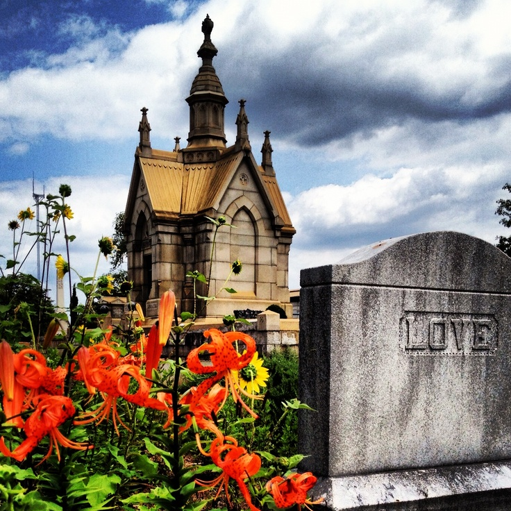 February 9th & 15th, 2014: Discover Oakland Cemetery's most touching love stories on a Valentine's Day tour!