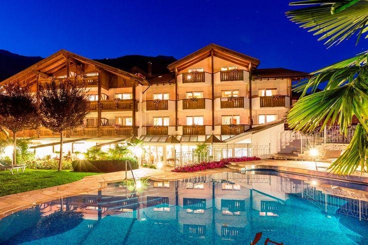 Südtirol, Italien Superior Traumurlaub in Südtirol - Vinschgau Willkommen im 4-Sterne-Superior-Hotel Jagdhof – in einer 5-Sterne-Region für Outdoor-Aktive. Auf www.travelina.ch
