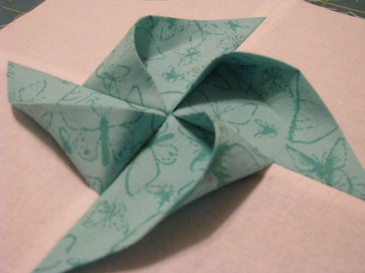 SaraRules Quilts: 3D Pinwheels Tutorial.