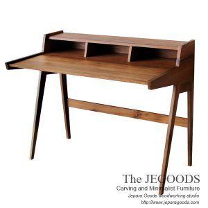 Model meja kerja jengki writing desk retro vintage teak Jepara oleh The Jegoods. Supplier mebel dan kontraktor furniture Jepara kualitas ekspor grade A.