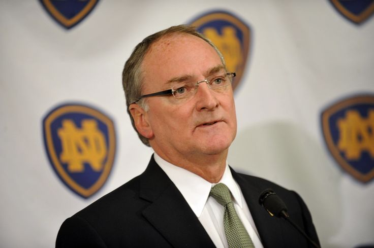 The University of Notre Dame is considering outsourcing the sale of corporate sponsorships and licensing agreements.  http://heysport.biz/is-room--must-be-21-to-enter.html