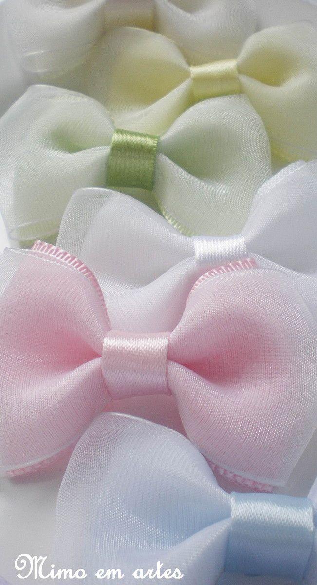 La�o no bico de pato (presilha) <br> <br>Podendo ser confeccionado no headband, se preferir. <br> <br>Confeccionado em gorgur�o e voal, dispon�vel nas seguintes cores: <br> <br>amarelo bb <br>azul beb� <br>branco <br>lil�s <br>off white <br>rosa beb� <br>verde abacate <br> <br>la�o mede 5cm <br>O valor refere-se a unidade. <br> <br>Ao fazer seu pedido, por favor informe a cor desejada.