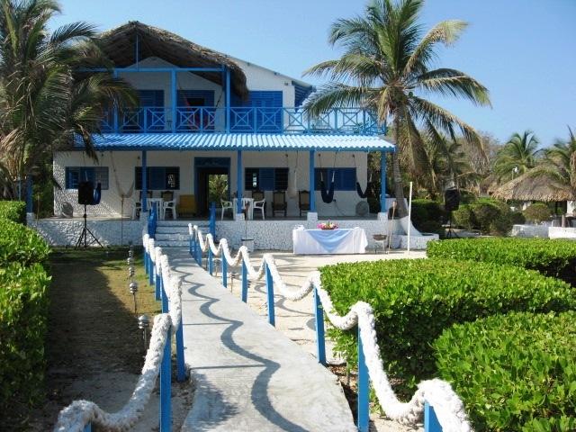 Pez Island Rosario Island Cartagena de Indias Capacity 30 pax. www.luxurysolutionsco.com